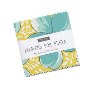 Moda Flowers For Freya Mini Charm