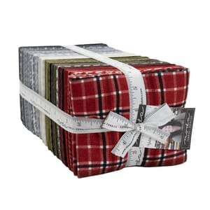 Moda Yuletide Gatherings Fat Quarter Bundle