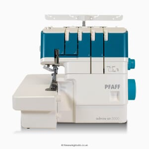 Pfaff Admire Air 5000 Overlocker Studio Photo